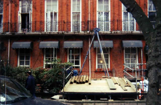 modular rig on scaffold